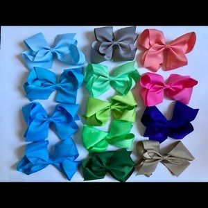 """Other - 6"""" baby girl alligator clip bows"""